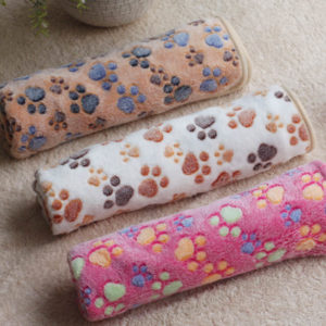 3 Color Cute Floral Pet Sleep Warm Paw Print Dog Cat Puppy Fleece Soft Dog Blanket Pet Dog Beds Mat 40 X 60cm