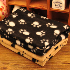 Large 60cmx70cm Pet Dog Cat Soft Warm Paw Print Blanket Pet Cat Puppy Fleece Blanket Pet Cartoon Quilt Mat 1pcs