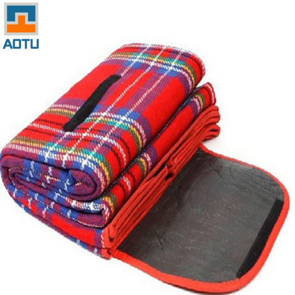 Picnic Blanket Outdoor Tent Camping Mat Moisture-proof Mat Foldable Baby Climb Plaid Blanket Outdoor Waterproof Beach blanket