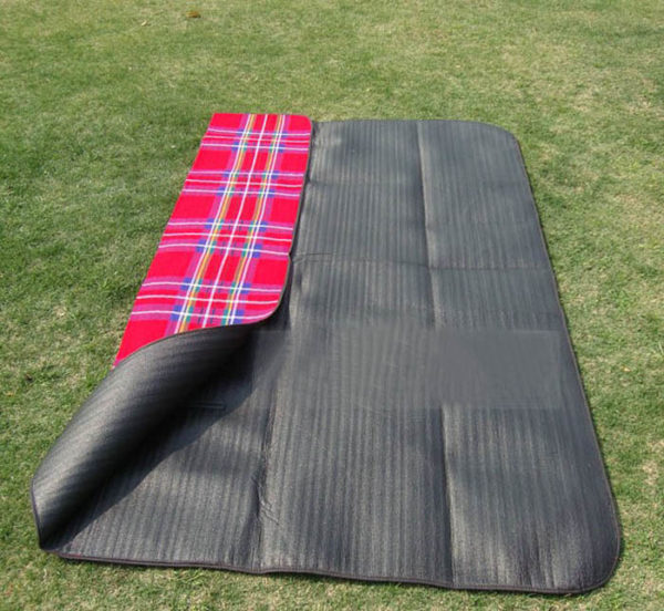 Waterproof Moistureproof Outdoor Beach Picnic Camping Mat Multiplayer Foldable Baby Climb Plaid Blanket 200cm x 150cm