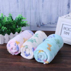 Winter Warm Soft Coral Velvet Pet Blanket Dog Cat Sleep Mat Dog Bone Paw Print Pet Bed Mats Puppy Cushion for Small Dogs